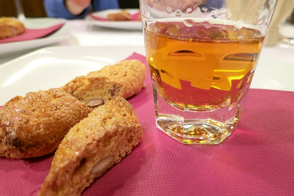 Vin Santo e cantucci in Florence restaurants