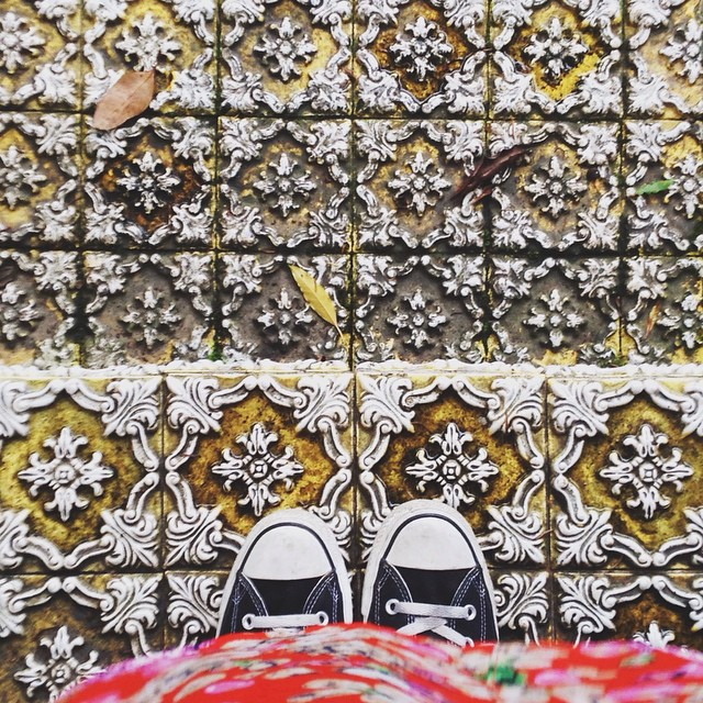 Which do you prefer? Black or white Converse, check out @iletaitunefaim's before you decide! #serralves #fromwhereistand