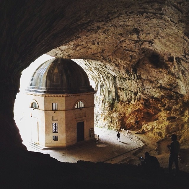 [Tempio del Valadier] Discovering beauty in unexpected places. #exploringmarche3 #churchinacave