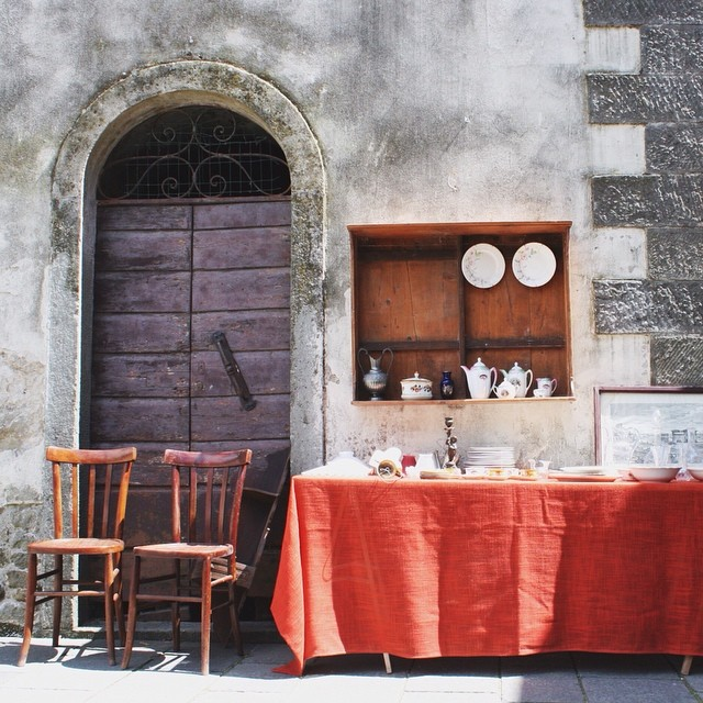 Antique shopping in a little town called Filetto in north Tuscany. #takeaseat #bestoftuscany