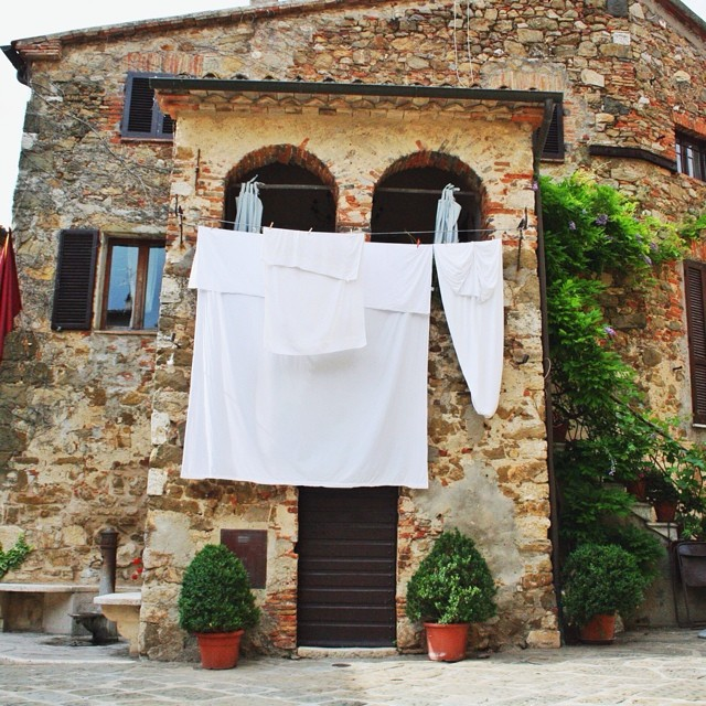 This nonna has nice white sheets! #Montemerano is one of my favorite towns in Maremma...hard to choose just one! #bestoftuscany